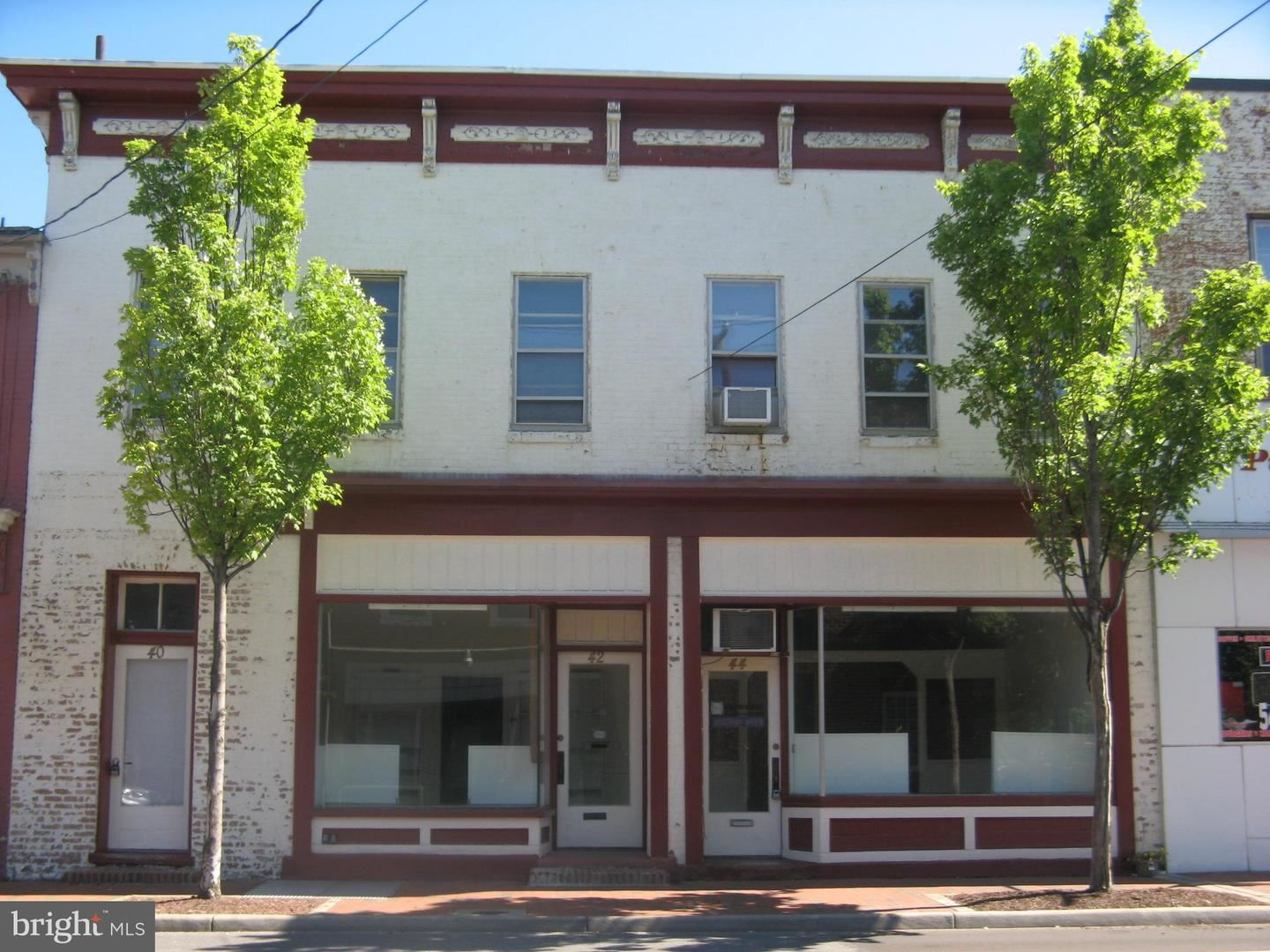 Photo of 40-44 E PICCADILLY ST, WINCHESTER, VA 22601 (MLS # VAWI114594)