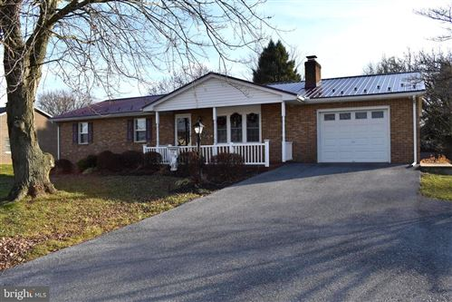 Photo of 17911 GARDEN VIEW RD, HAGERSTOWN, MD 21740 (MLS # MDWA169596)