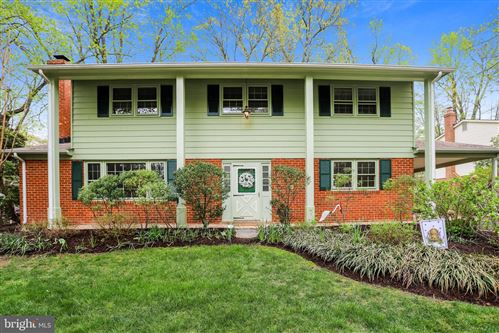 Photo of 6803 FIELD MASTER DR, SPRINGFIELD, VA 22153 (MLS # VAFX1191598)