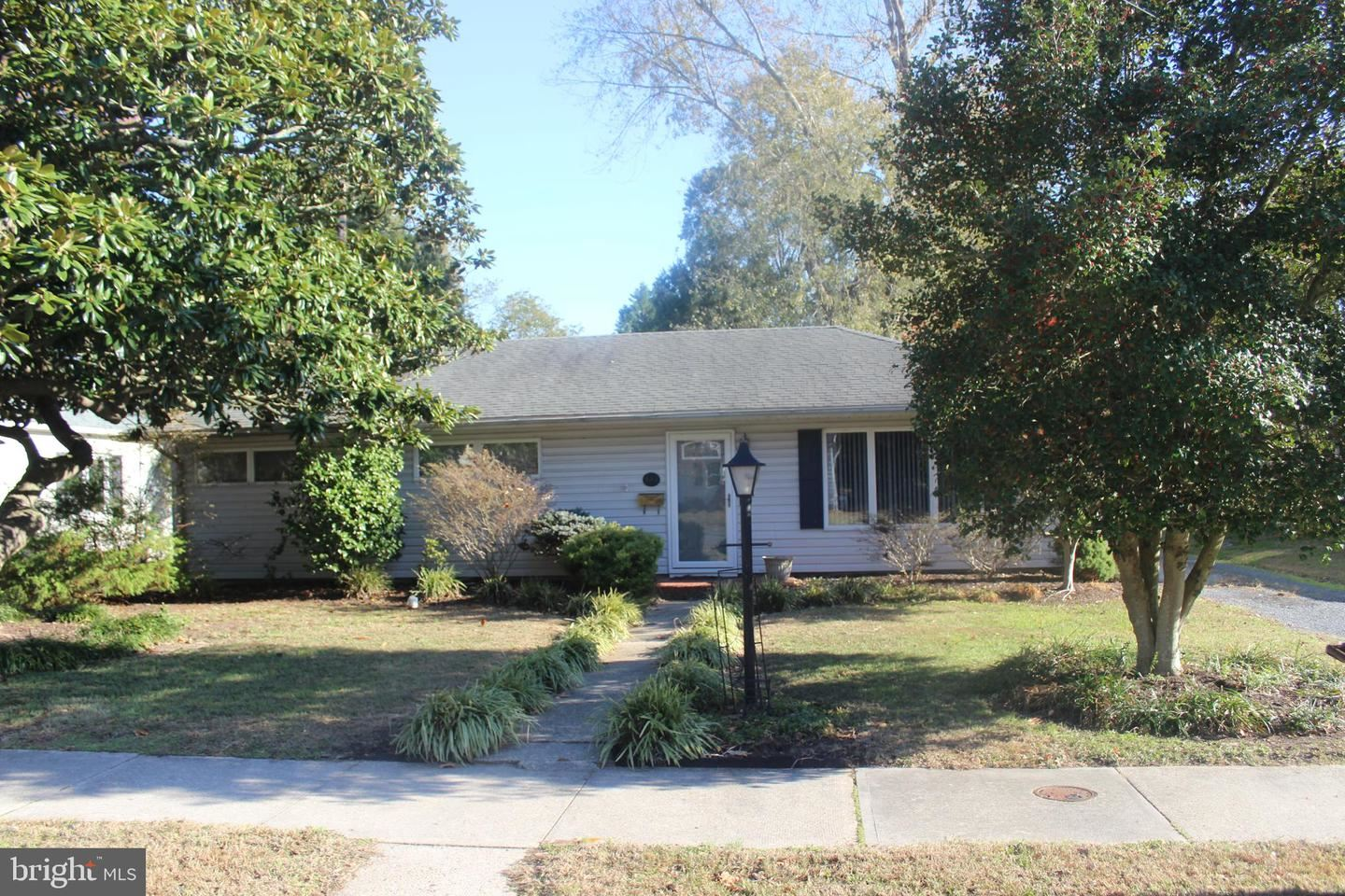 Photo for 304 TALBOT AVE, CAMBRIDGE, MD 21613 (MLS # MDDO124598)