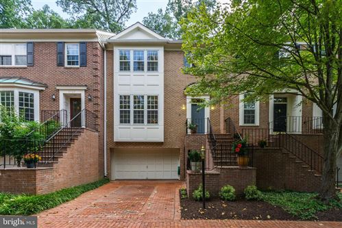 Photo of 9703 BARRISTER CT, BETHESDA, MD 20814 (MLS # MDMC677600)
