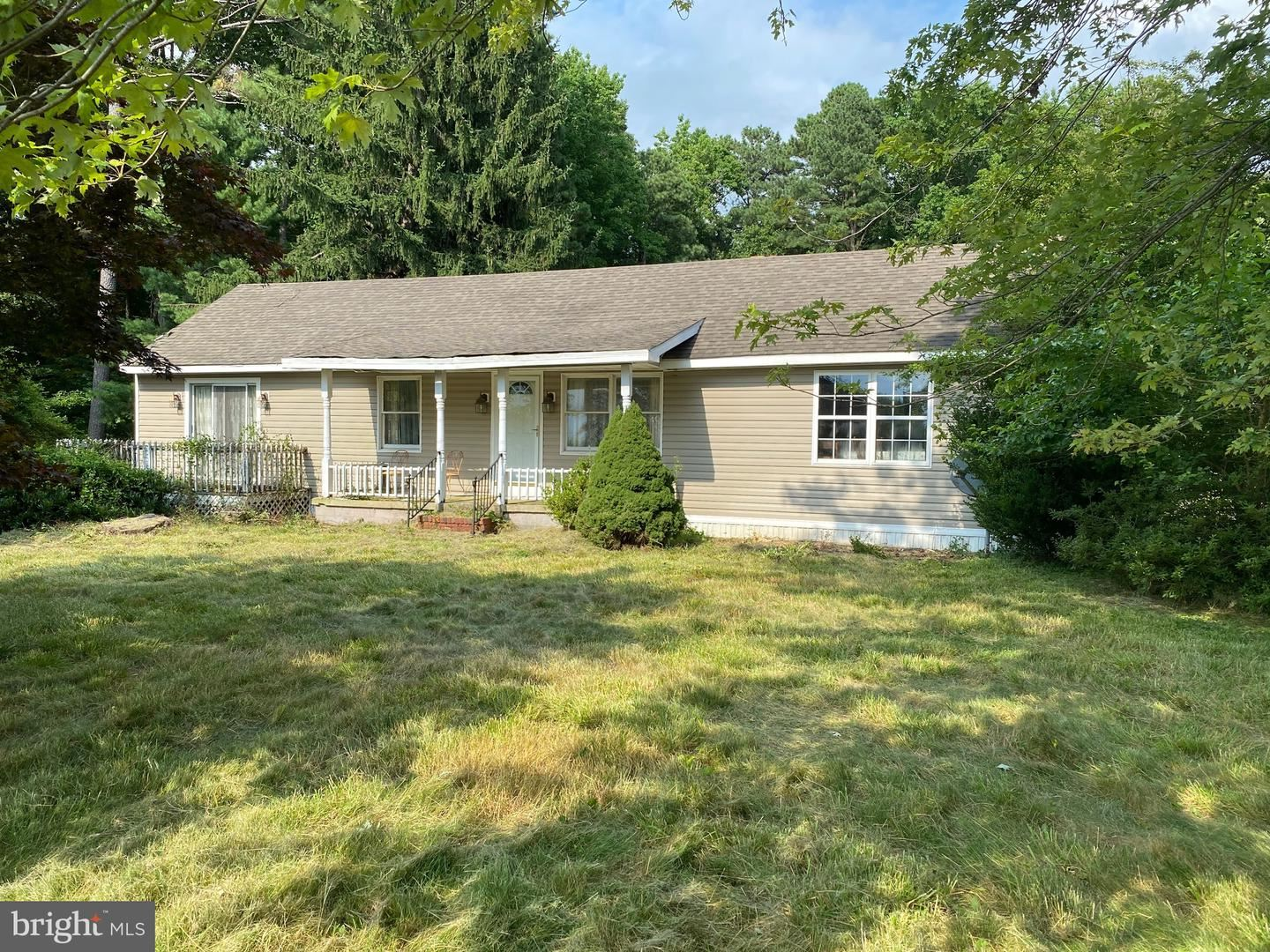 Photo of 206 PERLEE RD, CENTREVILLE, MD 21617 (MLS # MDQA143602)
