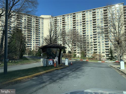 Photo of 5225 POOKS HILL RD #1514N, BETHESDA, MD 20814 (MLS # MDMC740604)