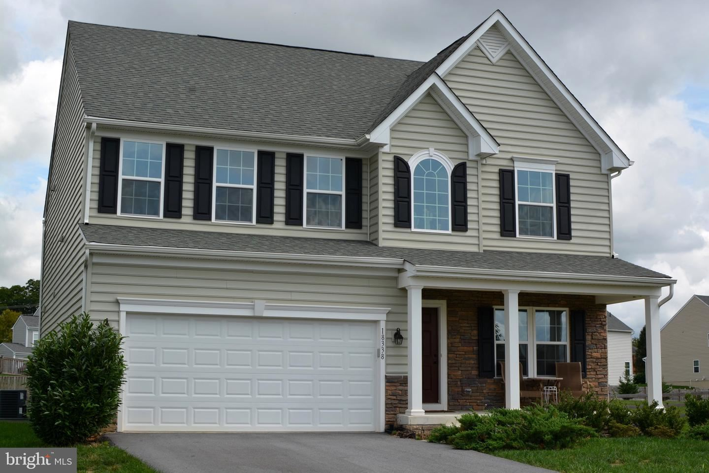 Photo of 18338 THORNHILL CT, HAGERSTOWN, MD 21740 (MLS # MDWA174604)