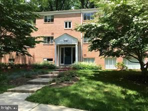 Photo of 10508 MONTROSE AVE #104, BETHESDA, MD 20814 (MLS # MDMC740606)