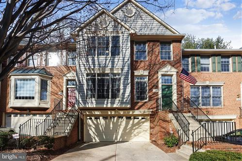 Photo of 11404 HOLLOWSTONE DR, ROCKVILLE, MD 20852 (MLS # MDMC740608)