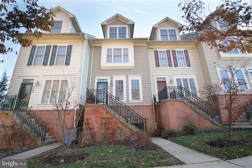 Photo of 721 GLOUSTER KNOLL DR, SILVER SPRING, MD 20901 (MLS # MDMC688612)