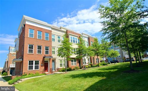 Photo of 616 HENDRIX AVE, GAITHERSBURG, MD 20878 (MLS # MDMC719612)