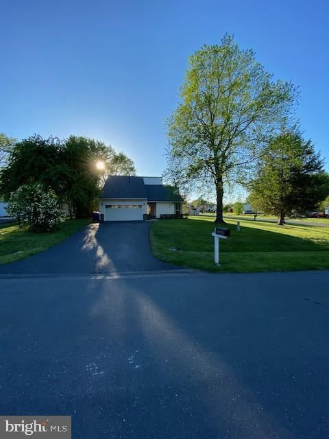 Photo of 19236 WALTERS AVE, POOLESVILLE, MD 20837 (MLS # MDMC760612)