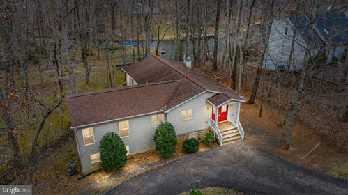 Photo of 216 CUMBERLAND CIR, LOCUST GROVE, VA 22508 (MLS # VAOR138614)