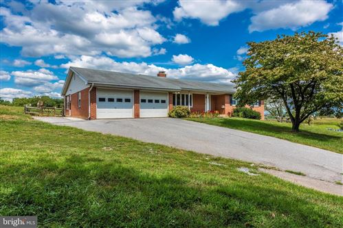 Photo of 5614 BUTTERFLY LN, FREDERICK, MD 21703 (MLS # MDFR252616)