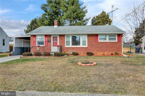 Photo of 20 LINCOLN DR, HANOVER, PA 17331 (MLS # PAAD114616)