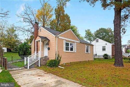 Photo of 2803 PARKER AVE, SILVER SPRING, MD 20902 (MLS # MDMC731618)