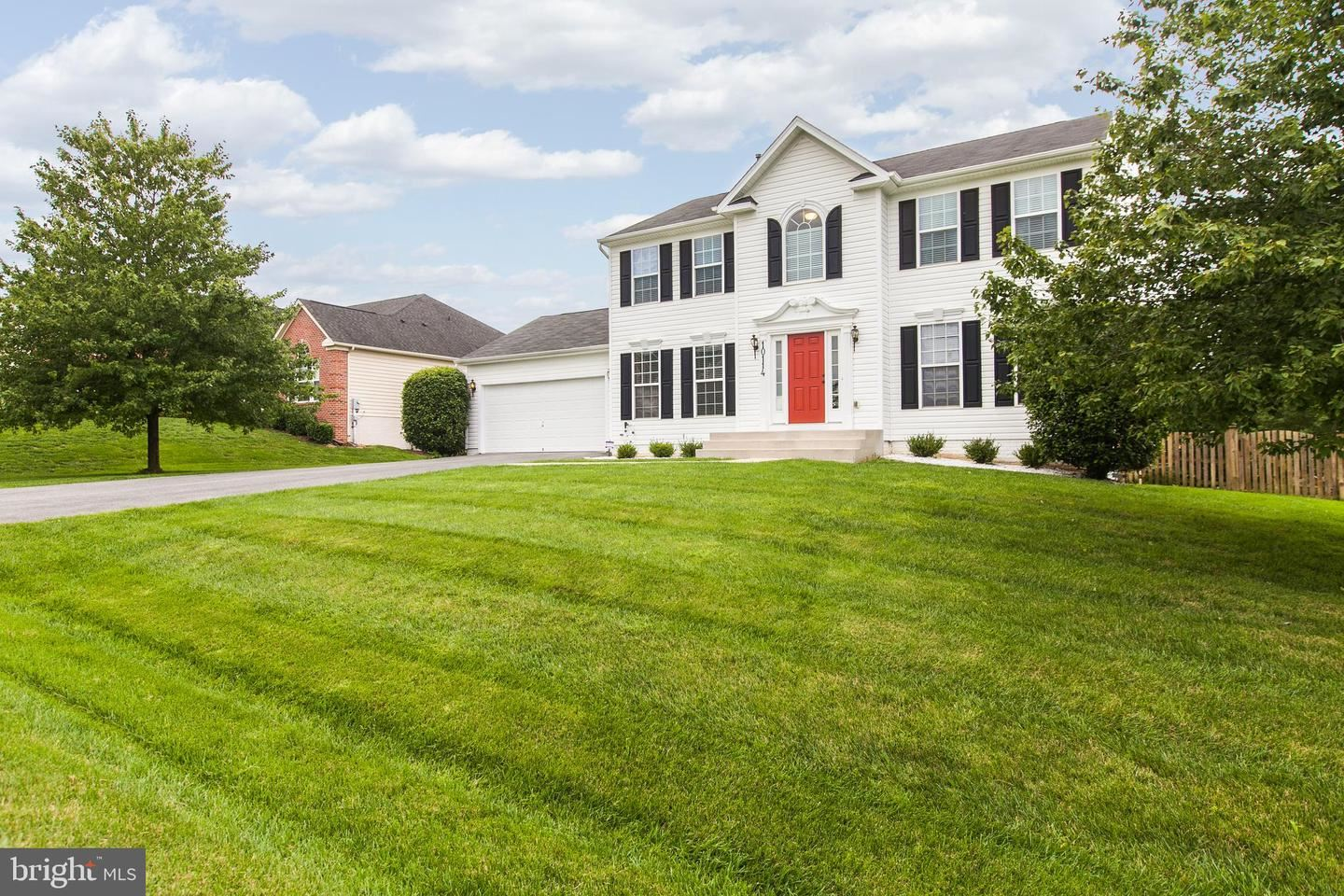 Photo of 10114 ROULETTE DR, HAGERSTOWN, MD 21740 (MLS # MDWA174620)
