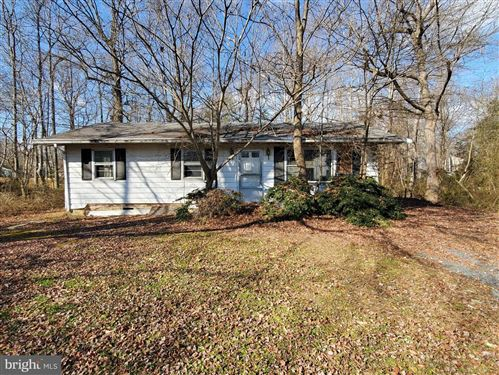 Photo of 3822 HOLLY DR, EDGEWATER, MD 21037 (MLS # MDAA456622)