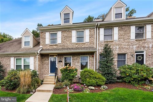 Photo of 1246 COUNTRY CLUB DR, SPRINGFIELD, PA 19064 (MLS # PADE2000625)