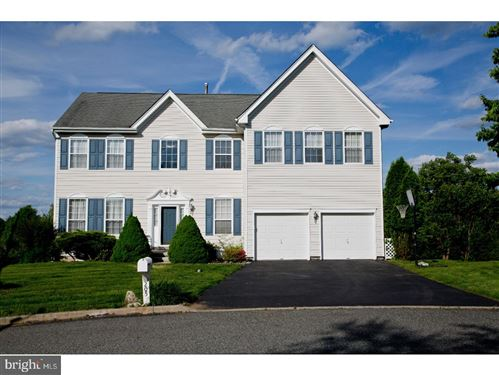 Photo of 205 FOUR IN HAND CT, WEST CHESTER, PA 19382 (MLS # PACT2005634)