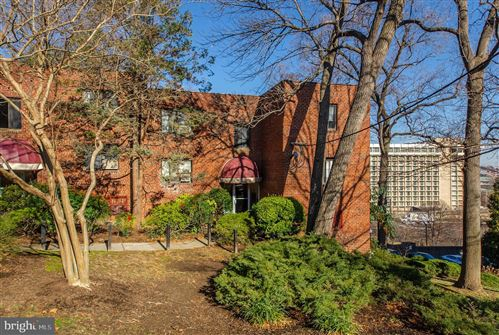Photo of 1573 N COLONIAL TER #201-Y, ARLINGTON, VA 22209 (MLS # VAAR157634)
