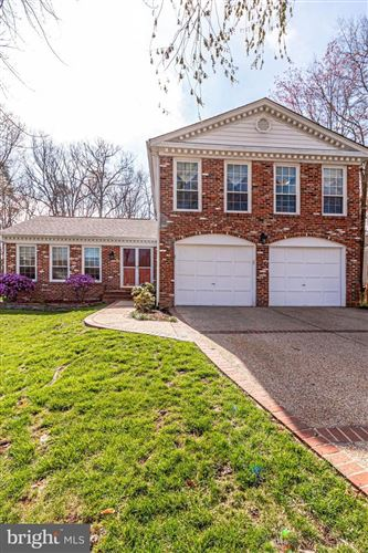 Photo of 7707 CERVANTES LN, SPRINGFIELD, VA 22153 (MLS # VAFX1119634)
