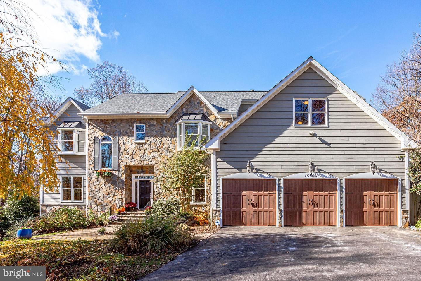 Photo of 15806 OLD WATERFORD RD, PAEONIAN SPRINGS, VA 20129 (MLS # VALO425634)
