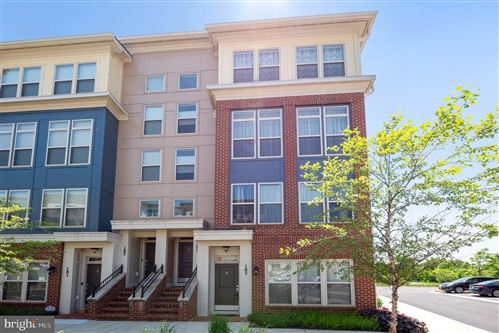 Photo of 185 COPLEY CIR #28-A, GAITHERSBURG, MD 20878 (MLS # MDMC708638)