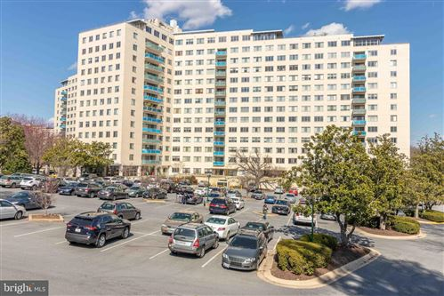 Photo of 10201 GROSVENOR PL #802, ROCKVILLE, MD 20852 (MLS # MDMC722640)