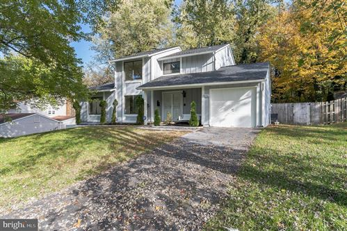 Photo of 15927 PEACH WALKER DR, BOWIE, MD 20716 (MLS # MDPG577642)