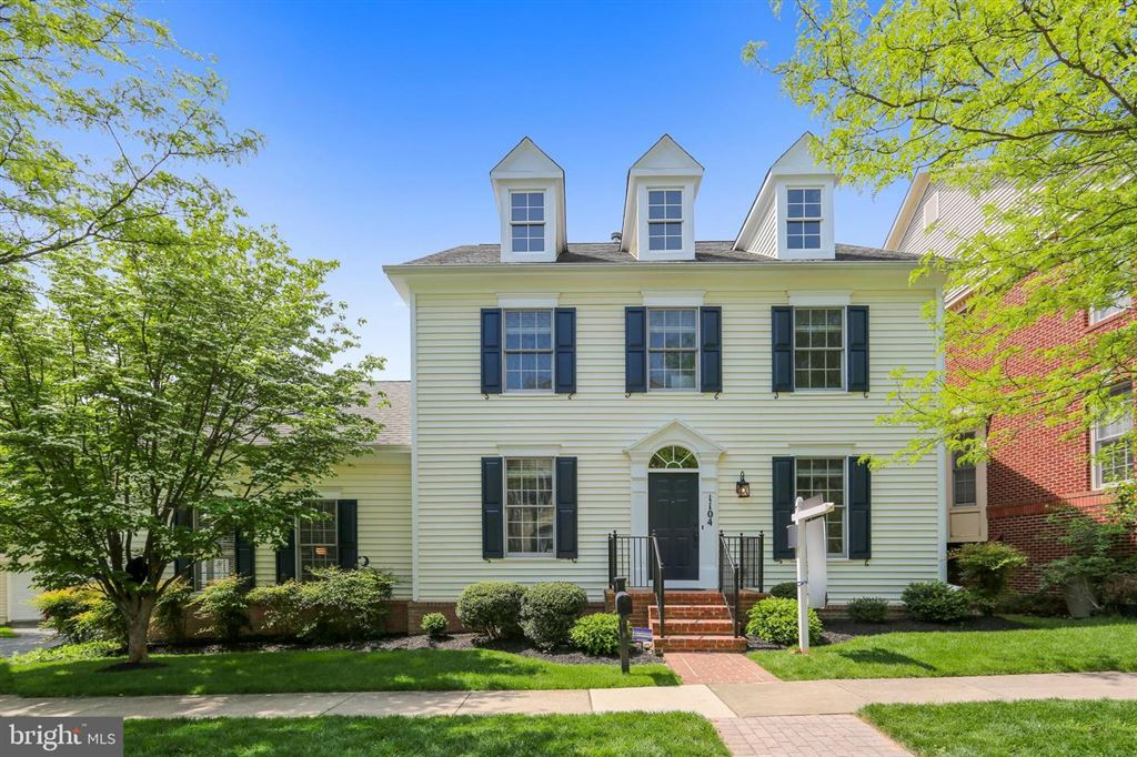 Photo for 1104 HAVENCREST ST, ROCKVILLE, MD 20850 (MLS # MDMC655642)