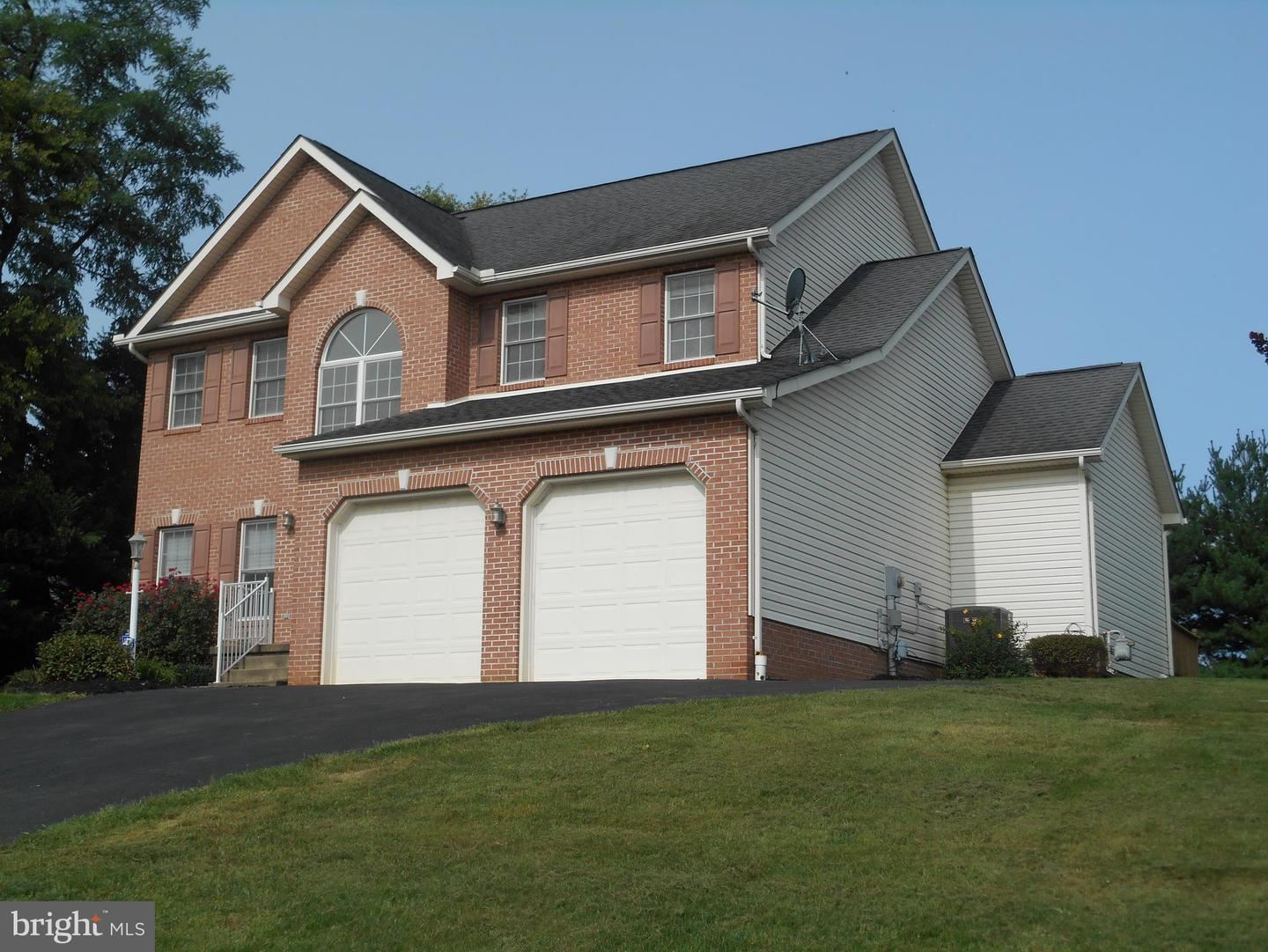 Photo of 501 FAIR MEADOWS BLVD, HAGERSTOWN, MD 21740 (MLS # MDWA174644)