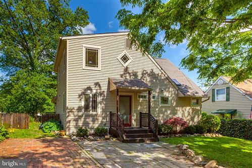 Photo of 5936 LEMAY RD, ROCKVILLE, MD 20851 (MLS # MDMC753646)