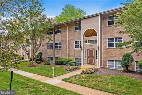 Photo of 1908 WILSON LN #T2, MCLEAN, VA 22102 (MLS # VAFX1146646)