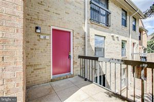 Photo of 18 DUDLEY CT, BETHESDA, MD 20814 (MLS # MDMC678648)