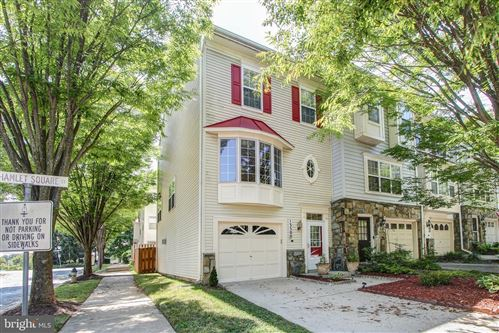 Photo of 13500 HAMLET SQUARE CT, GERMANTOWN, MD 20874 (MLS # MDMC720650)