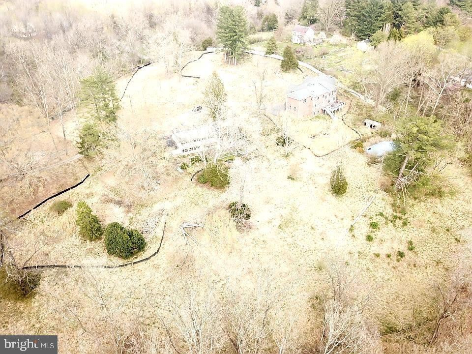 Photo of 13211 QUERY MILL RD, NORTH POTOMAC, MD 20878 (MLS # MDMC761660)