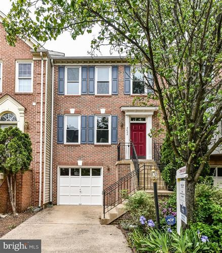 Photo of 2022 MEADOW SPRINGS DR, VIENNA, VA 22182 (MLS # VAFX1198664)