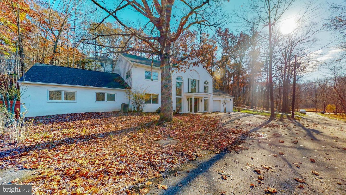 Photo of 14501 QUINCE ORCHARD RD, NORTH POTOMAC, MD 20878 (MLS # MDMC735664)
