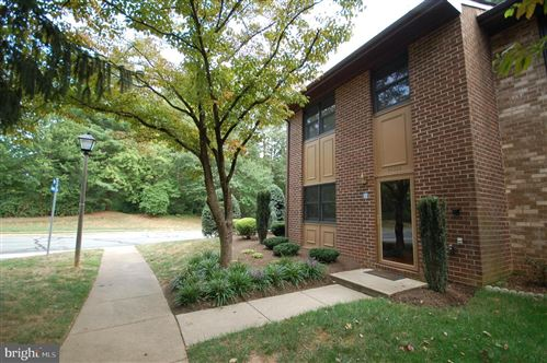 Photo of 11301 HEADLANDS CT, RESTON, VA 20191 (MLS # VAFX1113666)