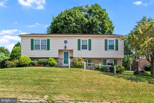 Photo of 232 W HOWARD ST, RED LION, PA 17356 (MLS # PAYK2003670)