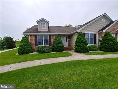 Photo of 1516 SPRING SIDE DR E, CHAMBERSBURG, PA 17202 (MLS # PAFL165672)