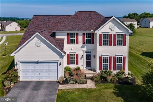 Photo of 1391 ASTER DR, YORK, PA 17408 (MLS # PAYK2000672)