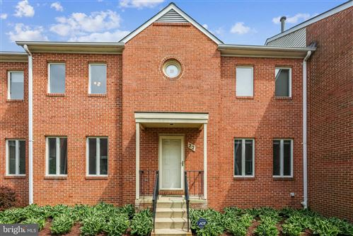 Photo of 22 ROCKCREST CIR, ROCKVILLE, MD 20851 (MLS # MDMC755674)