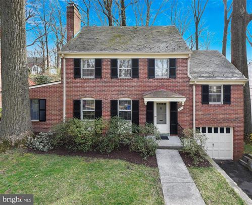 Photo of 1540 LIVE OAK DR, SILVER SPRING, MD 20910 (MLS # MDMC701676)