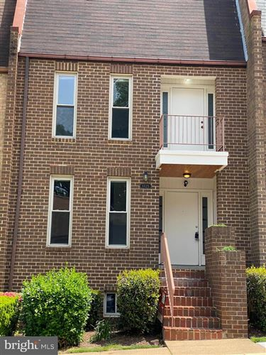 Photo of 1725 CY CT, VIENNA, VA 22182 (MLS # VAFX1199676)