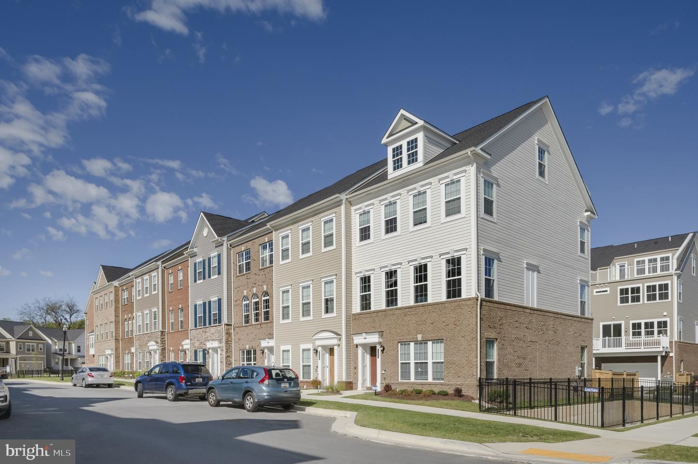 Photo of 29 GREEN DOME PLACE, GAITHERSBURG, MD 20878 (MLS # MDMC2019676)