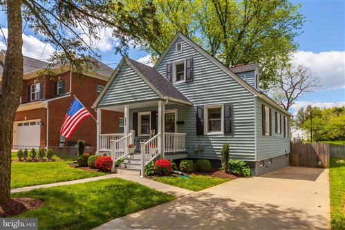 Photo of 204 READING TER, ROCKVILLE, MD 20850 (MLS # MDMC704678)
