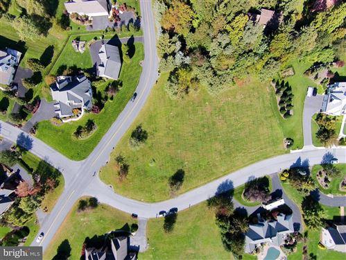 Photo of 406 SOUTHVIEW LN, LITITZ, PA 17543 (MLS # PALA135678)