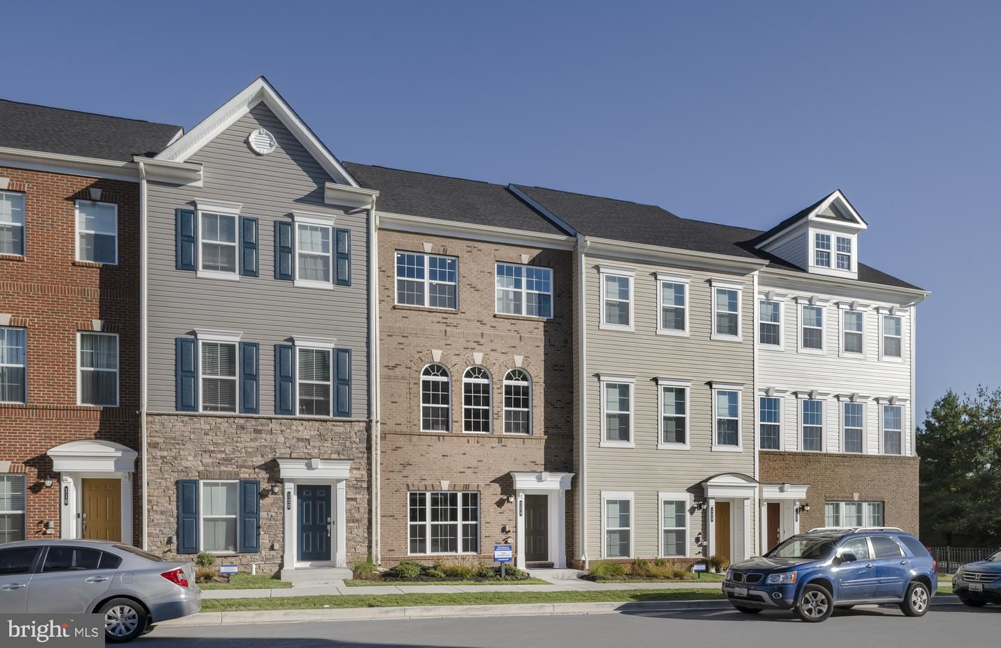 Photo of 25 GREEN DOME PLACE, GAITHERSBURG, MD 20878 (MLS # MDMC2019680)