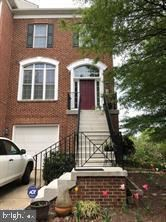 Photo of 10 TOWN COMMONS CT, GERMANTOWN, MD 20874 (MLS # MDMC740684)