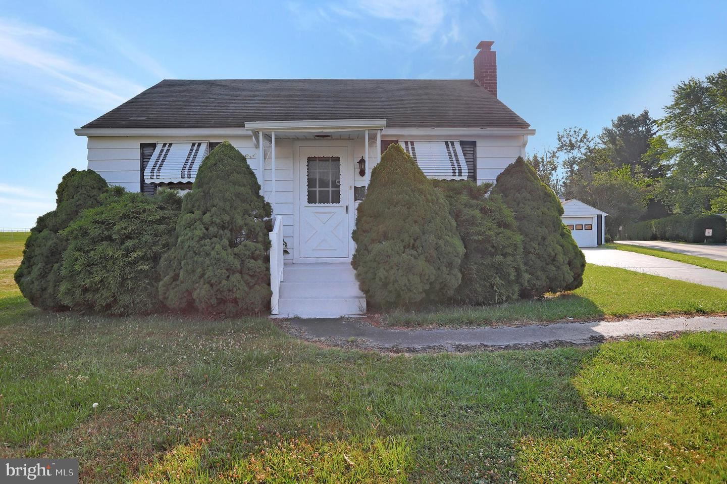 Photo of 18400 WAGAMAN RD, HAGERSTOWN, MD 21740 (MLS # MDWA2000684)