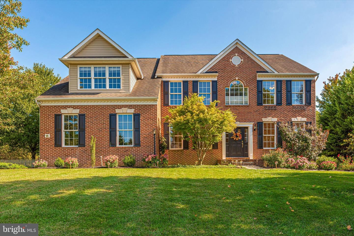 Photo of 16 WOODMERE CIR, MIDDLETOWN, MD 21769 (MLS # MDFR2006688)